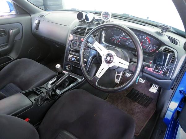 INTERIOR DASHBOARD OF R33 GT-R