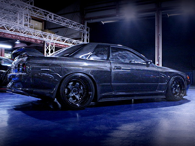 SIDE EXTERIOR R32 GT-R CARBON WIDEBODY
