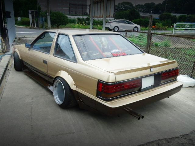 REAR EXTERIOR GZ10 SOARER GOLD TWO-TONE
