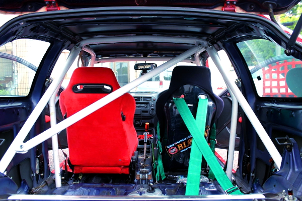 TWO-SEATER AND ROLL CAGE