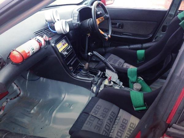 R32 SKYLINE 4-DOOR INTERIOR