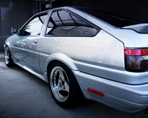 REAR SIDE EXTERIOR AE86 TRUENO GT-APEX
