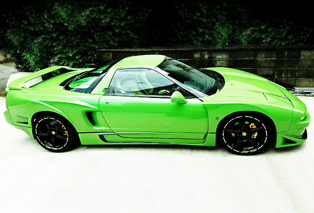 RIGHT SIDE EXTERIOR OF NA1 NSX WIDEBODY