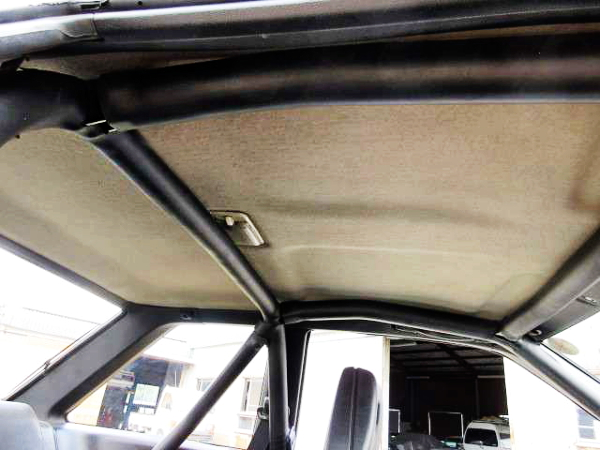 ROLL BAR OF AE86 LEVIN INTERIOR