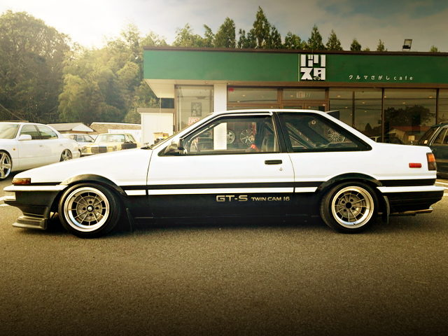 SIDE EXTERIOR AE86 TRUENO GT-APEX WITH GT-S LOGO