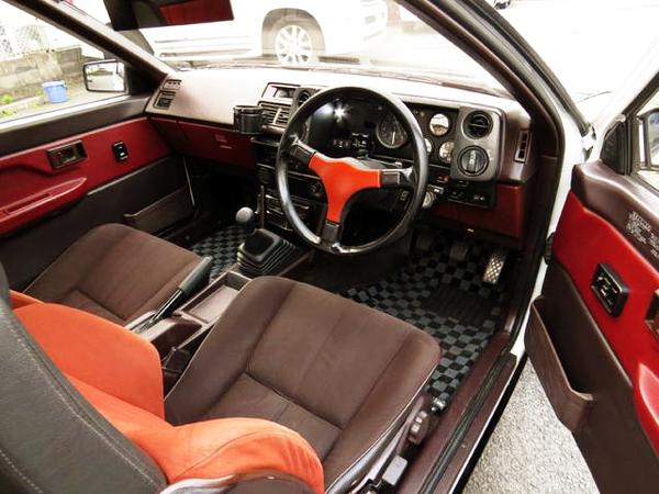 INTERIOR AE86 TRUENO GT-APEX