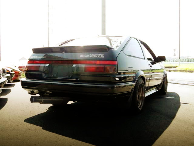 REAR EXTERIOR AE86 SPRINTER TRUENO BLACK LIMITED