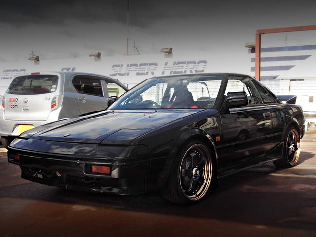 FRONT EXTERIOR OF 1ST GEN AW11 MR2 WITH BLACK PAINT
