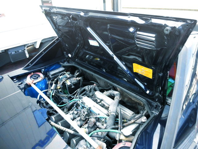 REAR HOOD OPEN TO AW11 MR2
