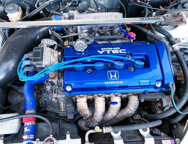 BLUE HEAD OF B18C VTEC ENGINE