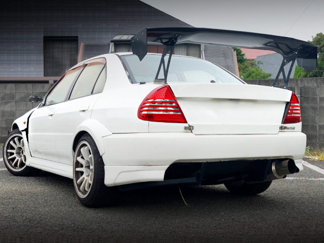 REAR EXTERIOR OF LANCER EVOLUTION 6 GSR