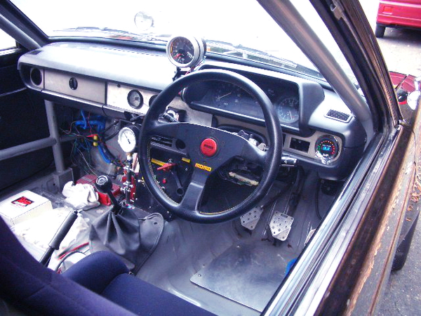 INTERIOR DASHBOARD OF KP61 STARLET