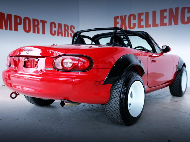 REAR EXTERIOR OF NB6C MAZDA ROADSTER