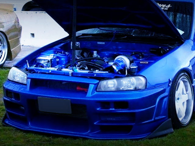 HOOD OPEN OF R34GTR FRONT END TO R32 SKYLINE