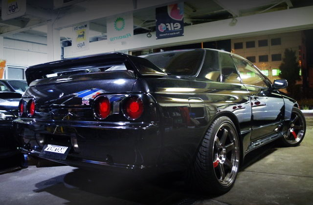 REAR EXTERIOR OF R32 SKYLINE GT-R OF BLACK