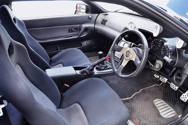 R32 GT-R DASHBOARD AND STEERING