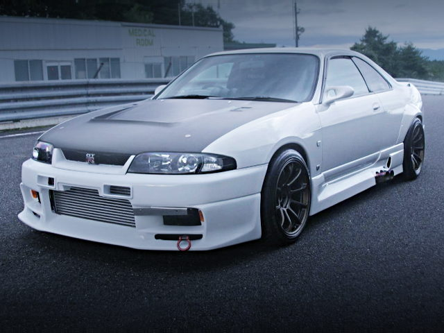FRONT EXTERIOR OF R33 SKYLINE GT-R