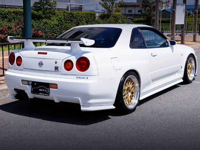 REAR EXTERIOR OF R34 SKYLINE GTR VSPEC2