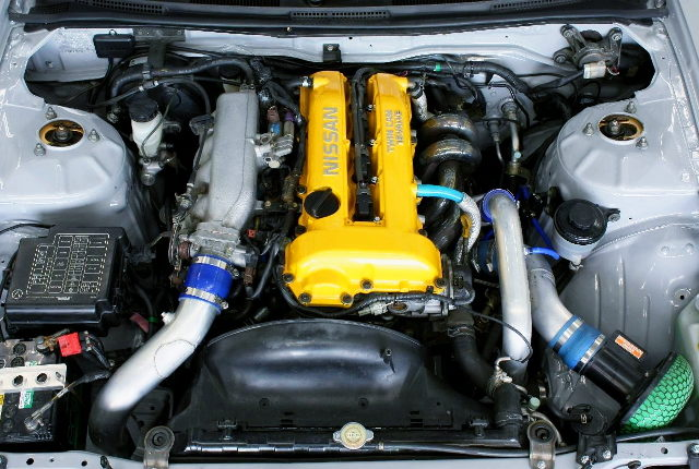 YELLOW HEAD COVER TO SR20DET TURBO ENGINE