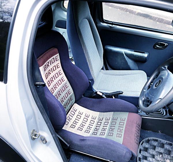 DRIVER BRIDE SEMIBAKE SEAT INSTALLED