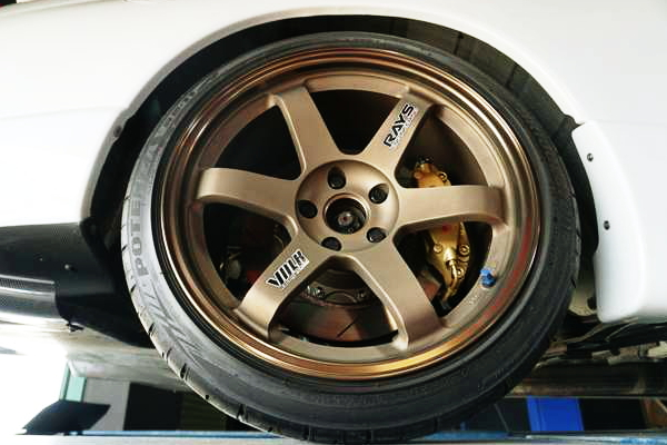 REAR TE37 WHEEL and Brembo BRAKE