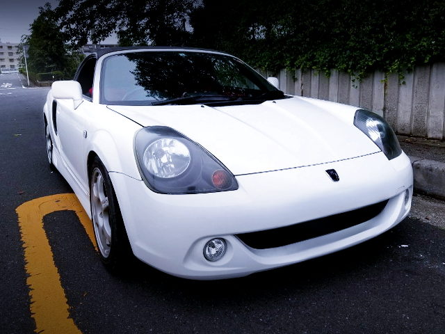 FRONT EXTERIOR ZZW30 MR-S OF WHITE COLOR