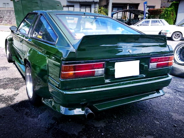 REAR EXTERIOR AE70 COROLLA COUPE WITH GREEN PAINT