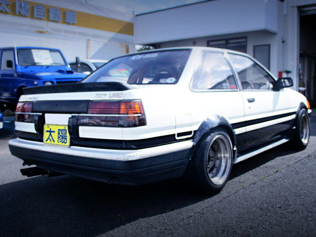 REAR EXTERIOR AE86 COROLLA LEVIN GT-APEX PAND COLOR