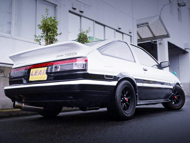 REAR EXTERIOR AE86 TRUENO GT-APEX PANDA COLOR