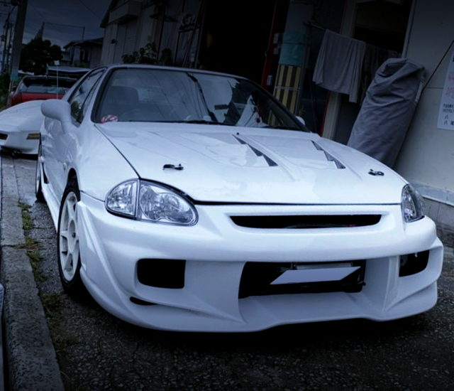 FRONT EXTERIOR OF CR-X DELSOL SiR