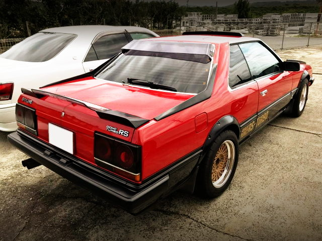 REAR EXTERIOR DR30 SKYLINE With RED BLACK TWO TONE
