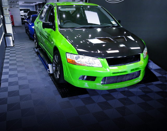 FRONT EXTERIOR OF CT9A EVO 7 RS GREEN