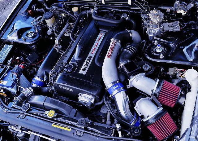 RB26TWINTURBO ENGINE OF R32 GTR ENGINE ROOM
