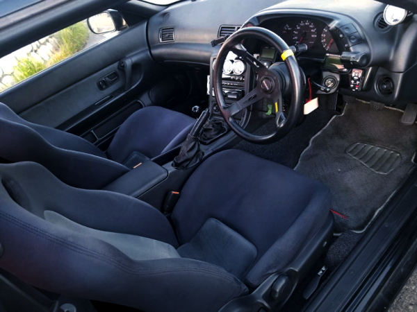INTERIOR OF R32 GT-R