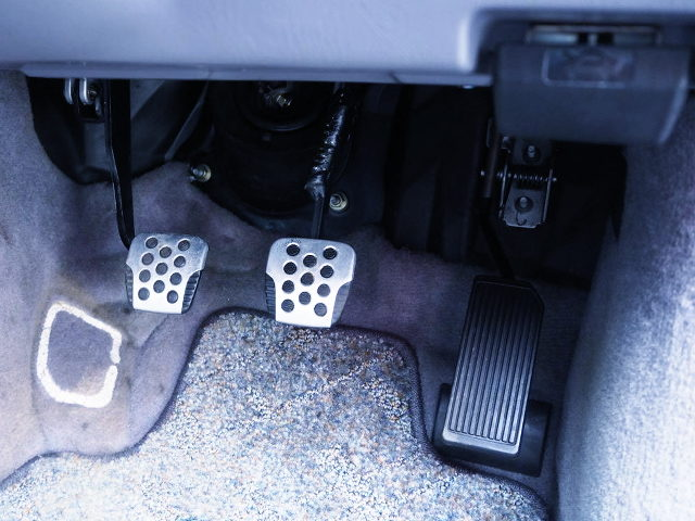 THREE FOOT PEDAL FOR MANUAL CAR