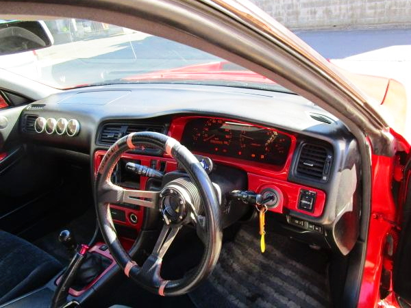 INTERIOR DASHBOARD OF JZX100 CHASER
