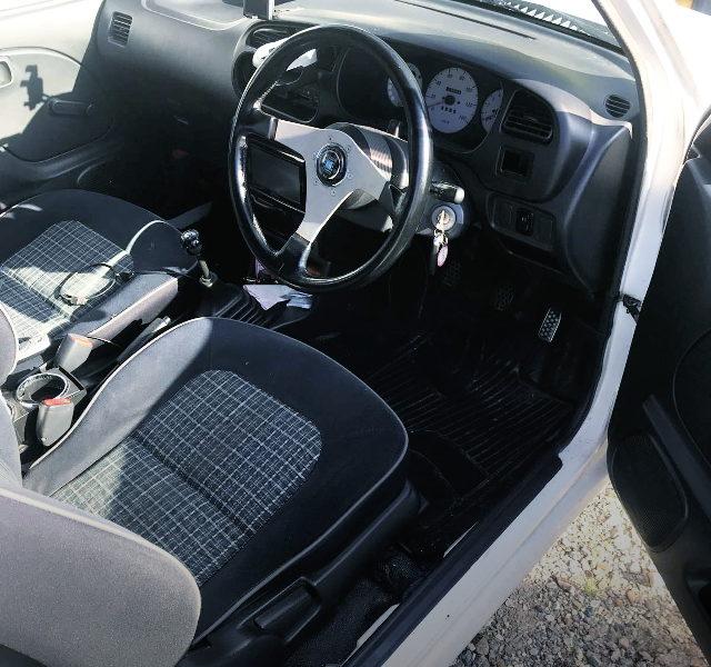 L700V MIRA VAN OF DRIVER SEAT