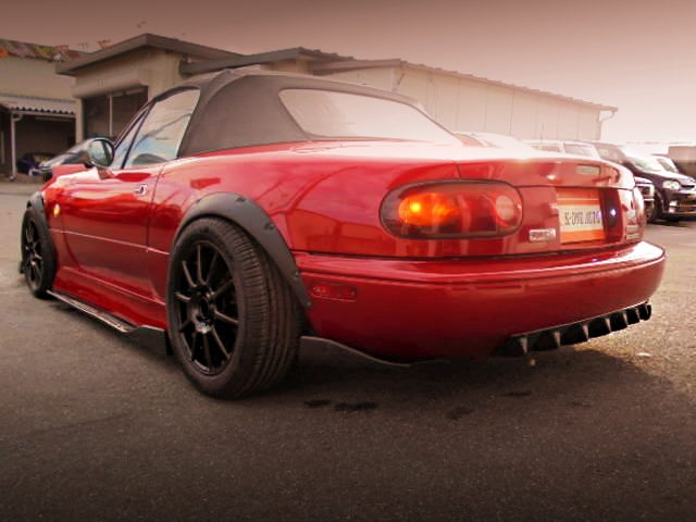 REAR EXTERIOR BAGGED NA8C ROADSTER