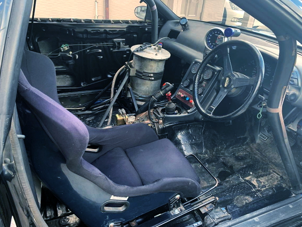 R32 GT-R INTERIOR OF SINGLE SEAT