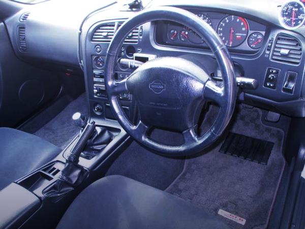 R33 SKYLINE GT-R INTERIOR