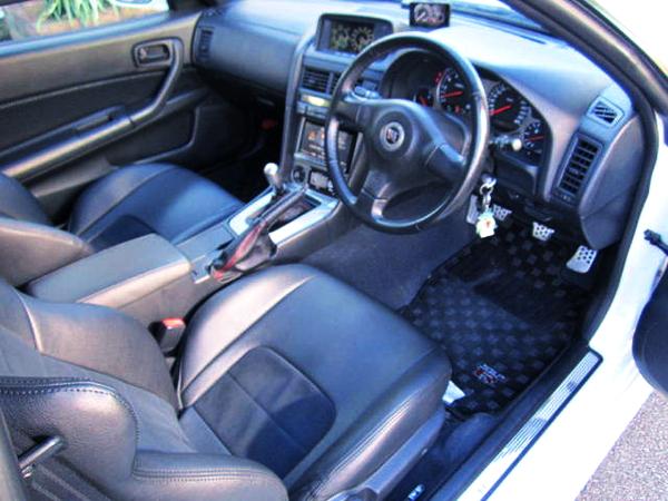 R34 GT-R V-SPEC2 INTERIOR