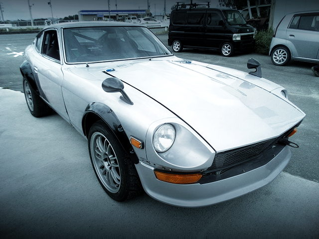 FRONT EXTERIOR OF S30 FAIRLADY Z