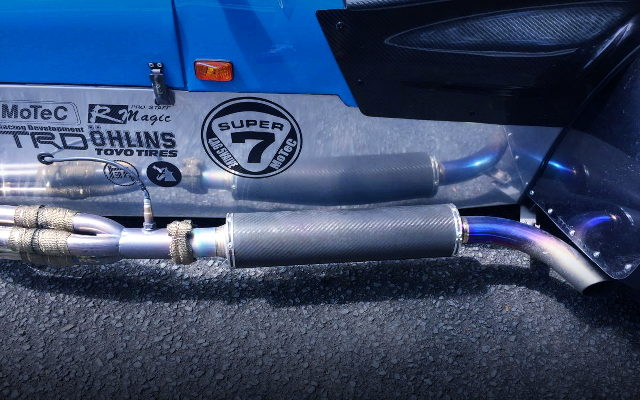 SIDE EXIT EXHAUST MUFFLER FOR SUPER SEVEN