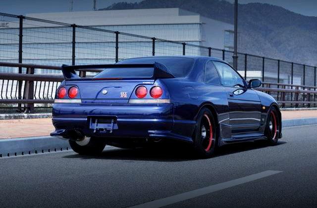 REAR EXTERIOR R33 GT-R V-SPEC With DEEP MARINE BLUE
