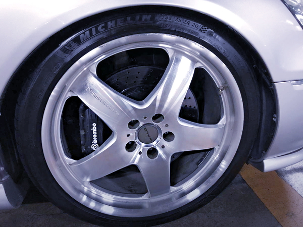 FRONT F40 Brembo