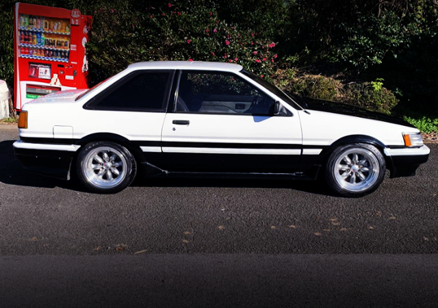 SIDE EXTERIOR AE86 LEVIN