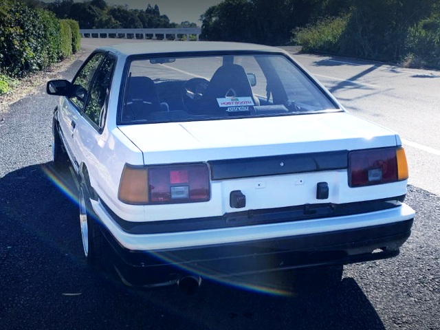 REAR EXTERIOR OF AE86 LEVIN