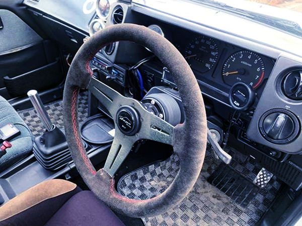 INTERIOR STEERING AND DASHBOARD AT AE86 INTERIOR
