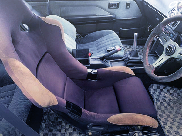 DRIVER AT TO A FULL BUCKET SEAT OF AE86 LEVIN INTERIOR