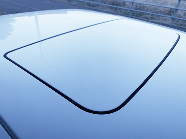 SUNROOF OF AE86 LEVIN